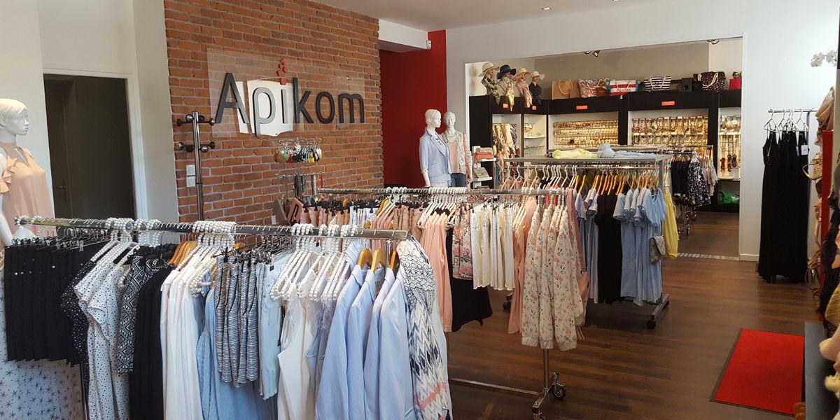 Showroom Apikom Market